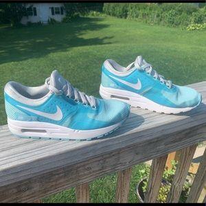 Girls Nike Airmax Sneakers